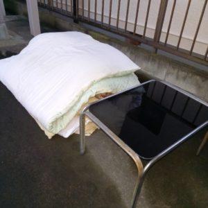 【越谷市柳町】ガラステーブル、布団等の回収・処分ご依頼